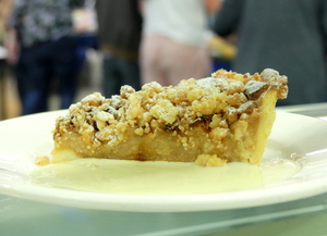 Apple crumble tarta