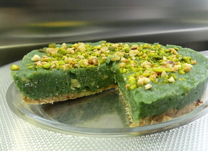 Green cheesecake with spirulina