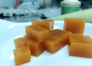 Peach-curry agar agar