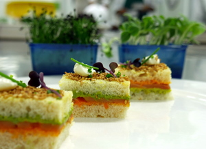 Mini sandwich with pesto and smoked salmon
