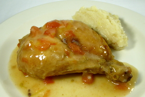 Roasted chicken seasoned with Xerry vinegar and mashed potatoes