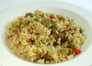 Meat and dry rice casserole