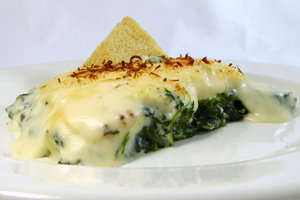 Spinach with bechamel