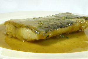 Cod in green pepper sauce