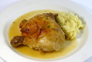 Braised chicken with mashed potatoes