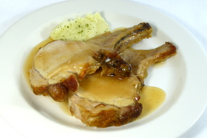Roasted rack of pork with mashed potatoes