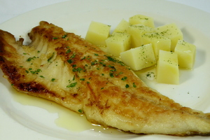 Grilled sea bass with steamed potatoes