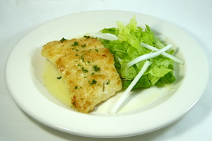 Grilled cod with lettuce salad