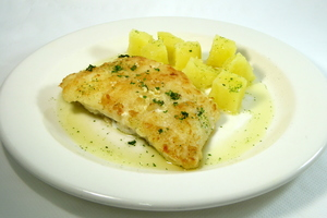 Grilled cod with steamed potatoes