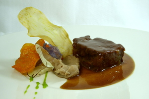 Braised veal cheeks  Print with chestnut purée and vegetables chips