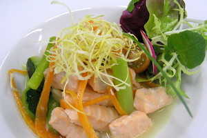 Warm fresh salmon salad