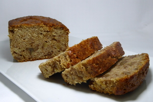 Banana and walnut sponge