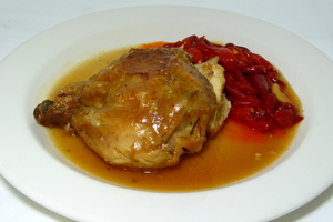 Roasted chicken with tomato and red peppers stew