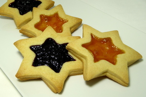 Star-shaped biscuits