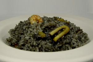 Rice and squid in ink