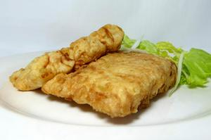Battered hake with lettuce