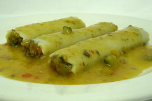 Vegetables cannelloni with pumpkin cream