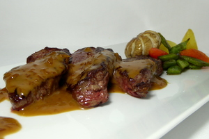 Roasted veal fillets with Porto sauce