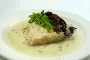 Hake au court-bouillon with champignon