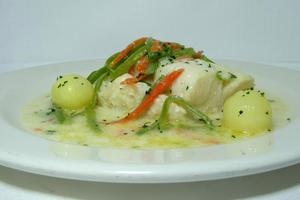 Cod simmered in white wine sauc
