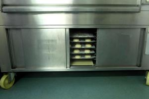 Bakery proofer