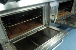 Direct irradiation oven