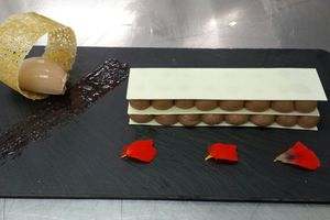 White chocolate and cocoa millefeuille with ice cream