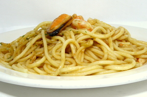 Spaghetti with langoustines and mussels