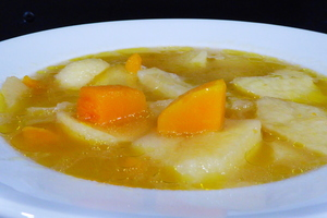Porrusalda (leek and potato stew) with pumpkin