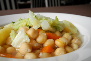 Chickpeas and cabbage stew