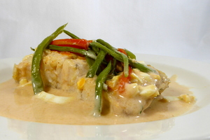 Hake au court-bouillon with besamel and tomato sauce