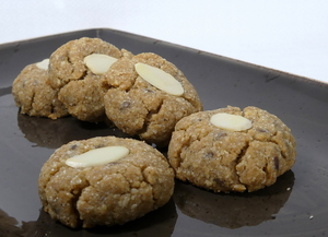 Buckwheat and almond cookies