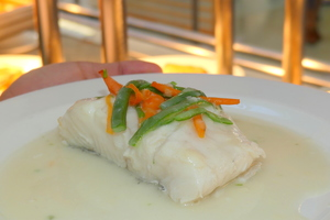 Hake in white wine sauce