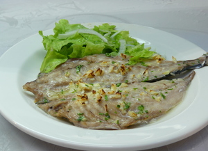 Roasted horse mackerel with lettuce salad
