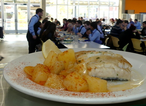 Gridled whiting with garlic fried sauce and steamed potatoes