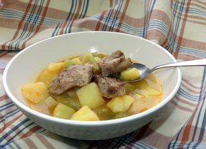 Alkatene porrusalda (leek and potato stew) with pork ribs